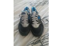 Kids nikes hurraches size 5.5