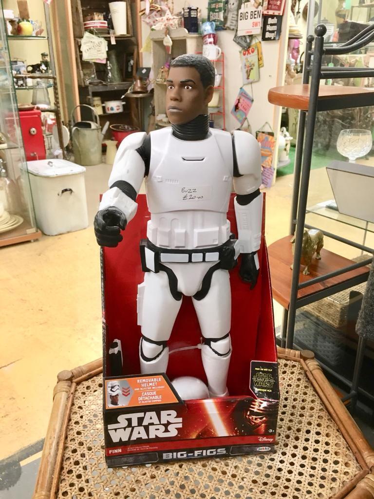 Star Wars figure. BUZZ pitch