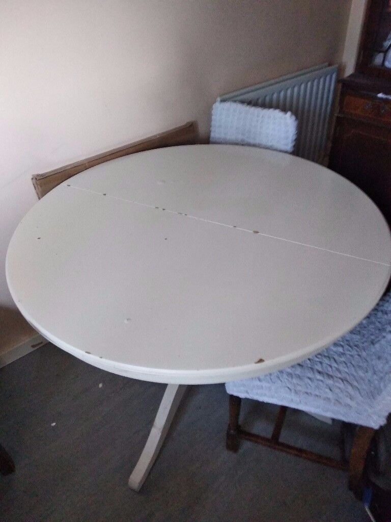 IKEA extentable round dining/kitchen table | in Croydon ...