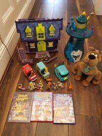 Huge Bundle of scooby Doo Toys