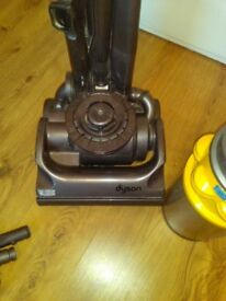 Dyson Hoover, DC04 Model very good condtion orignal filter, and with extra clean kit.