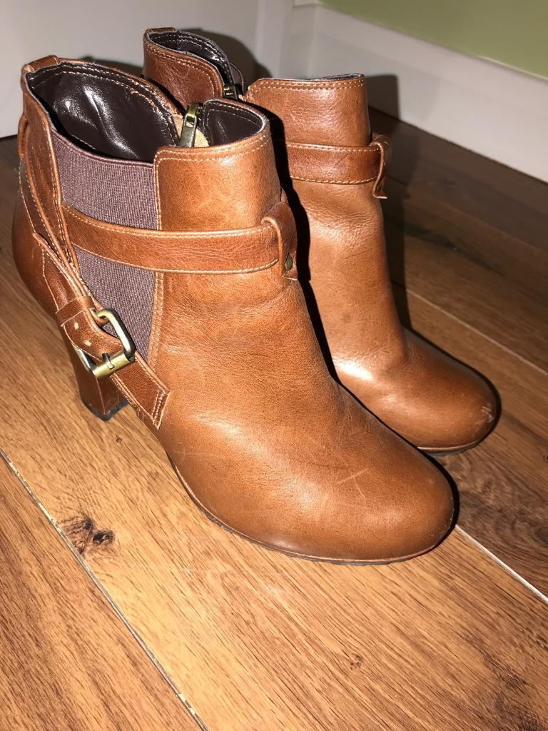 Dune tan leather ankle boots size 39/6