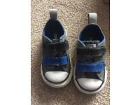 Converse infant size 4 trainers