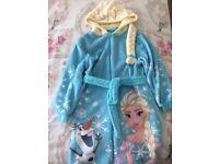 Elsa dressing gown age 6-7