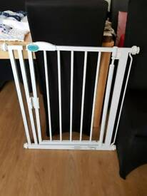 Bettercare auto close pressure fittings stair gate