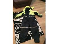 Shakespeare fishing suit small mens