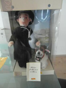 Steiff heiliger St Bernhard mit Hund Barry  993701 Puppen