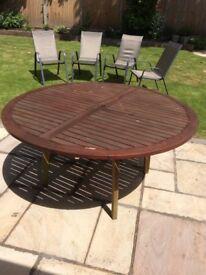 Garden table hard wood round