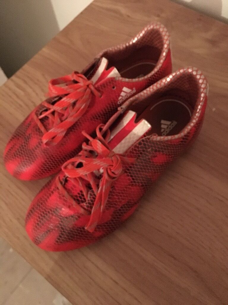 boys football bootsin Ipswich, SuffolkGumtree - adidas and nike size 1 football boots not even a year old selling cheap as needing quick sale £7 the pair