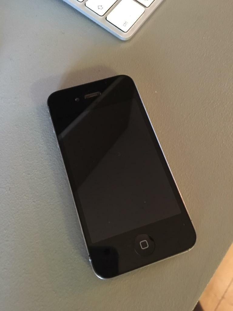 iPhone 4 16gb Blackin Bournemouth, DorsetGumtree - iPhone 4 black 16gb (on EE)No cracks on screenGood condition with just a few minor blemishes/scratches.Camera fully serviceable with no scratches.Comes with original iPhone charger. Also have a spare charger and a clip on cover. You can have for...