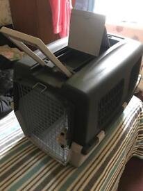 Dog travel box