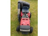 Ride on Lawnmower with tow bar for small trailer