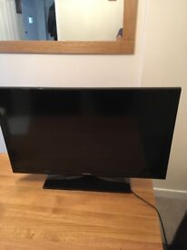 Samsung 28in excellent condition with remote