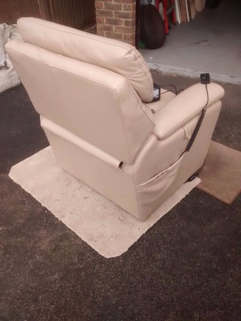 Home gt dorset leather dual motor lift and rise chair - Recliner Lift Armchair Beige Good Condition Fully Operational Timotion Electric Lift Technology