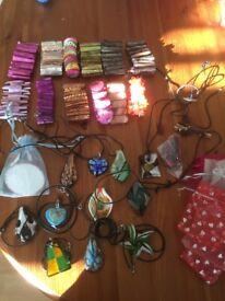 Bracelets & necklaces mixed