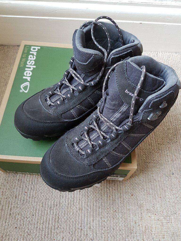 Womens Brasher Kenai Walking Boots, size 8