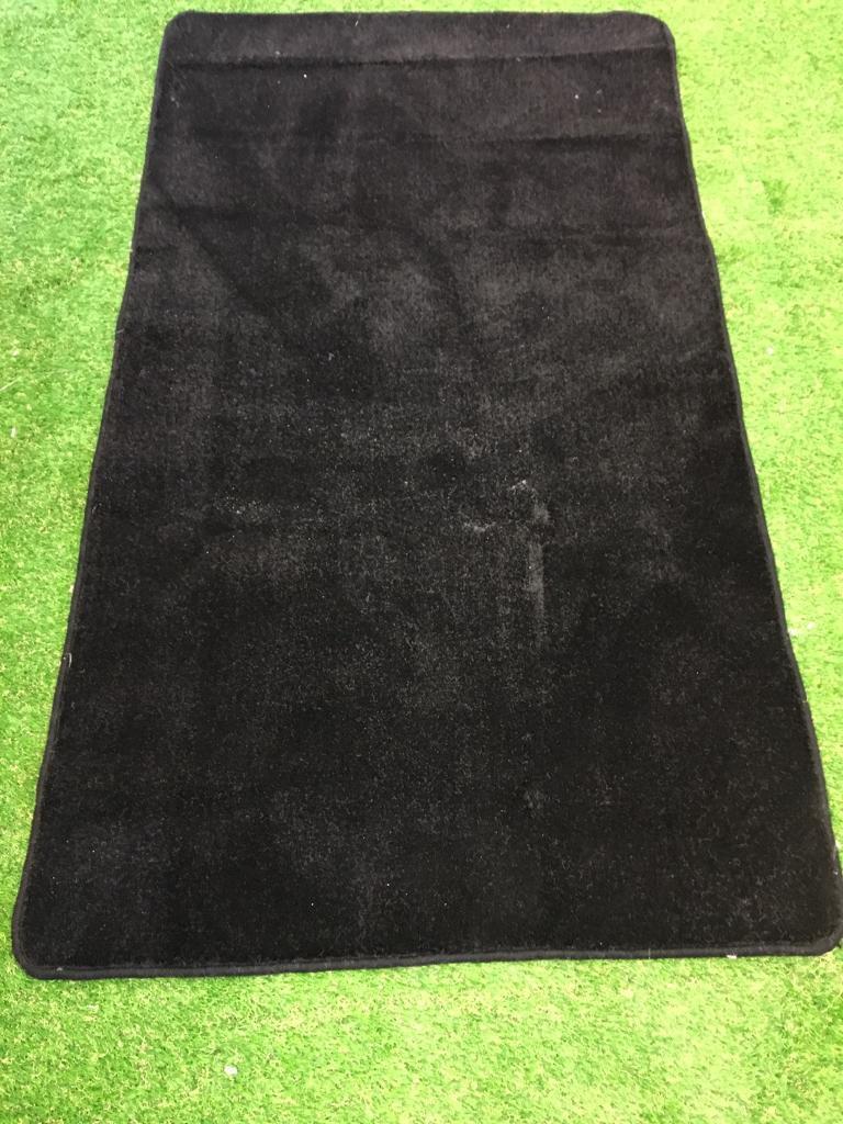 Black saxony rug