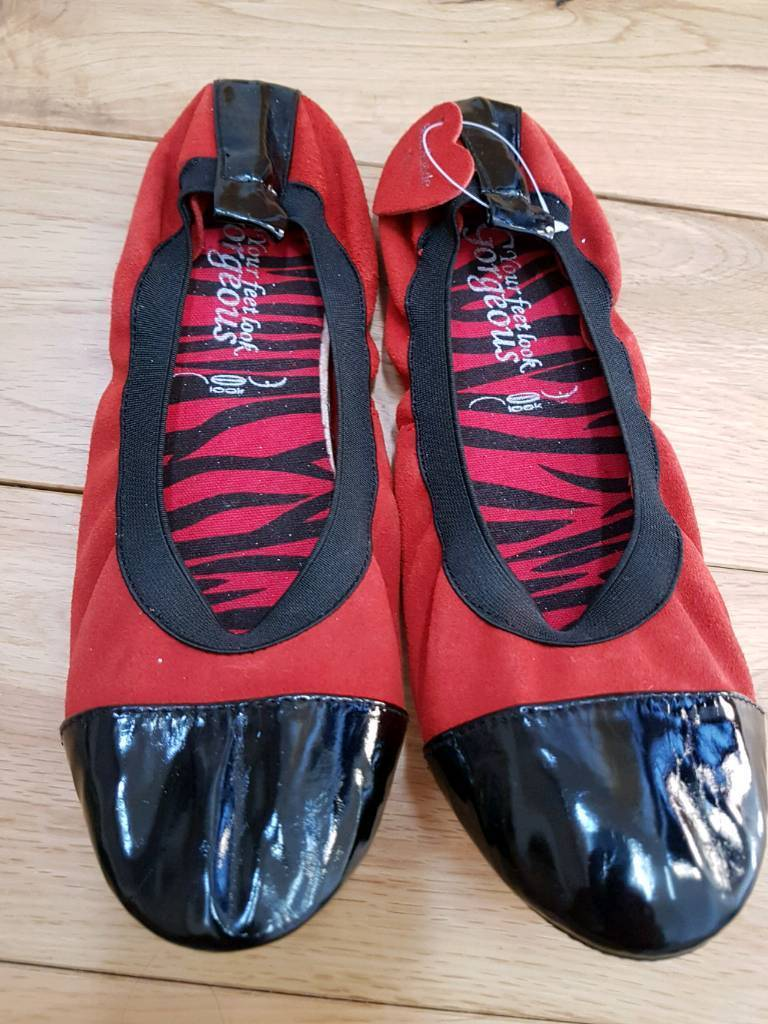 Size 7 flat shoes brand new