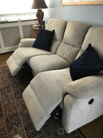 3 Seater power recliner settee