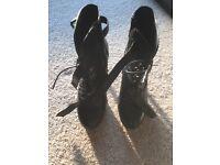 Fantastic BRAND NEW Size 7 Carvela Boots