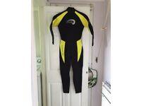 Girls Wet suit for sale 3mm