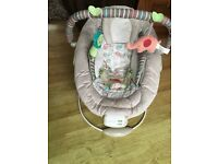 Comfort and harmony baby bouncer excellent condition