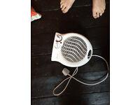 Warmlite WL44002 2kW Upright Fan Heater