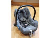 Max Cosi Cabrio baby car seat