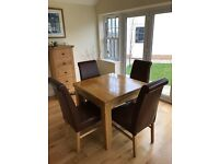 SOLID OAK DINING TABLE AND 4 x TAN LEATHER CHAIRS