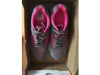 Brand new in box women's Nike Air Relentless 5 Pink and grey size 5 (38.5)