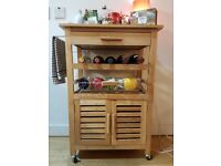 Lovely kitchen unit with wine rack