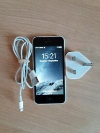 Apple iPhone 5C UNLOCKED 8gb White - very good condition