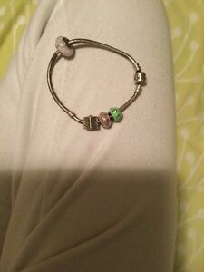 Authentic pandora bracelet with 4 charms  Cambridge Kitchener Area image 2