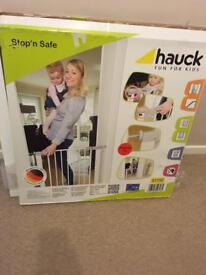 Hauck pressure fitted stair gate