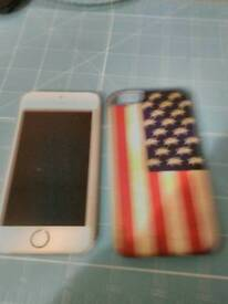 Gold iphone 5s on 02 32gb with cases