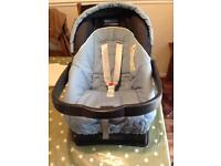 Mamas and papas child seat/baby carrier and base