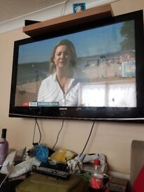 """Samsung 50"""" tele no brackets no stand selling as bought a new tv"""