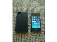 Unlocked 16gb iPhone 4 with case