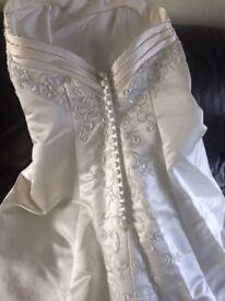Ivory wedding dress size 8/10
