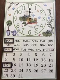 Beautiful Wall clock with calendar