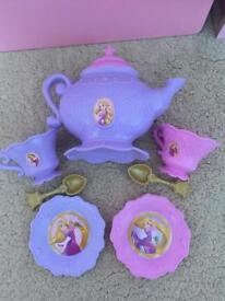 Disney tangled tea set