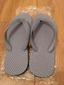 Accupressure massage slippers flip flops fits size 7-9