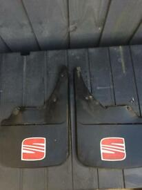 Set of 2 seat mud flaps universal fitting