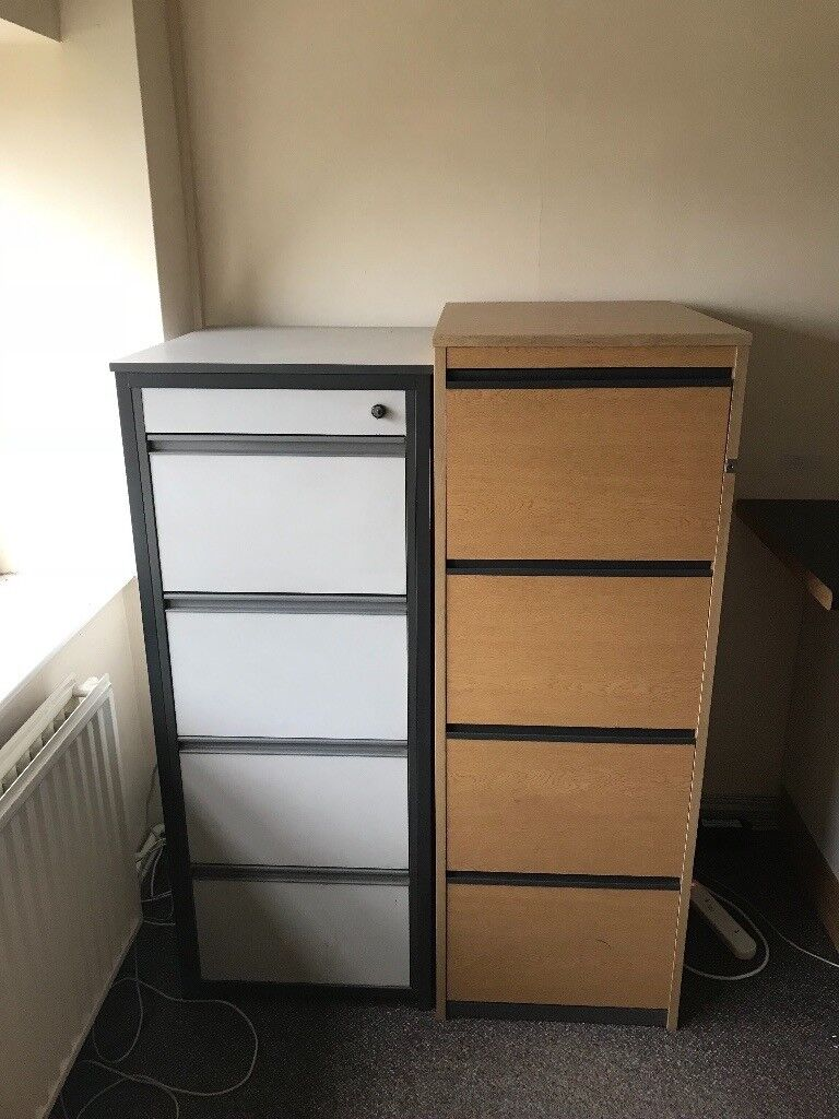 office furniture clearance mixture of desks filing cabinets storage units in peterborough. Black Bedroom Furniture Sets. Home Design Ideas