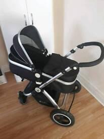 2 baby prams good condition diferent price