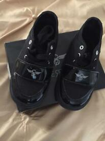 Infant creative recreation trainers size 9