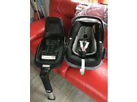Maxi-Cosi Pebble Plus Car Seat with 2 way fix car seat base