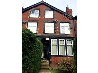 2 Bedroom flat with excellent location *169b Kirkstall Lane, Leeds*