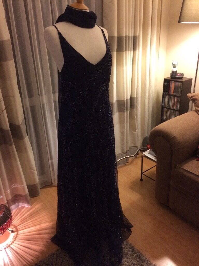 Navy blue beaded evening dress and shawl by kaleidoscope size 16in Rainham, KentGumtree - Beaded navy blue evening dress with shawl by kaleidoscope. Size 16. Dress has lining plus a ruffle lining for fullness effect at the hem
