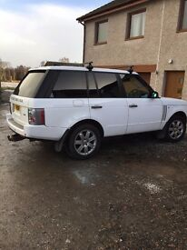 RANGE ROVER VOGUE WRAPPED WHITE WITH PRIVATE PLATE